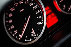 Hız Sabitleyici Nedir?