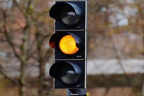 Sarı Işıkta Geçmenin Cezası Var Mı?